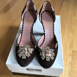 Moschino Brown Suede Ribbon Pumps